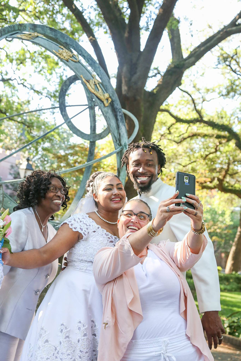 Elopement in Savannah - Family Selfie time Troup Square